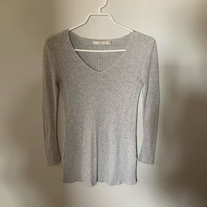 🔵Light Grey V-Neck Sweater